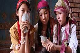 Körpecik kızlar: Doğu Türkistan (2)