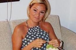 Pınar Altuğ'un başı kostümcü ile dertte
