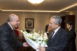 Arınç Başbakan Yardımcılığı'nı Türkeş'e devrettii