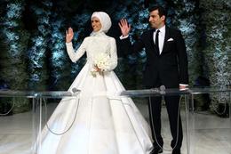 Sümeyye Erdoğan'ın düğününün perde arkası takıların hepsi...
