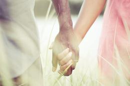 Orucu bozan şeyler sevgilinizin elini tutarsanız...