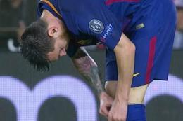 Messi çorabından hapı çıkardı ve ağzına attı