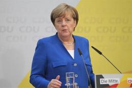 Merkel'den flaş açıklama: 'Türkiye'ye yardımı kısalım'