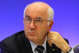 Carlo Tavecchio görevinden istifa etti