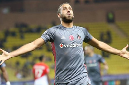 Beşiktaş'ın yıldızı Cenk Tosun fiyatını katladı