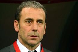 Abdullah Avcı'dan UEFA'ya hakem sitemi