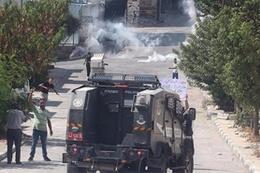İsrail ordusuna ait askeri araç Filistinli çocuğa çarptı!