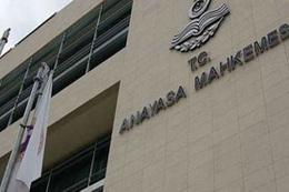 AYM'den Diyanet çalışanlarına siyaset vetosu