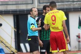 Cüneyt Çakır'dan tartışmalı karar