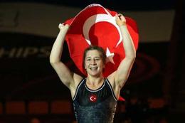 Türk güreşçiler UWW'nin zirvesinde