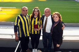 Şükrü Saracoğlu Stadı'nda nikah kıydılar