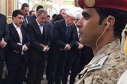 Hulusi Akar kutsal topraklarda Erdoğan'la saf tuttu