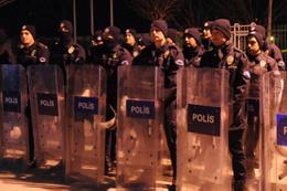 Bursaspor taraftarları futbolculara saldırdı
