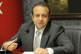 Egemen Bağış'tan Hakan Şükür tepkisi: Aşağılık...