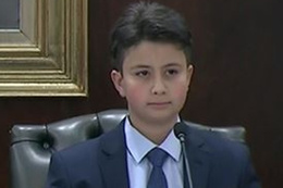 Küçük Başbakan'a ezber bozan sorular fena terledi!