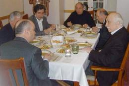 Ahmet Hakan Fehmi Koru'yu Fethullah Gülen'li fotoğrafıyla vurdu