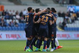 Başakşehir 17 takımı da yendi