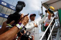 Kanada'da Hamilton pole pozisyonunu aldı