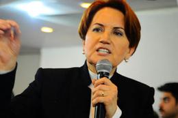 Meral Akşener'den Kılıçdaroğlu'na dua Bahçeli'ye eleştiri