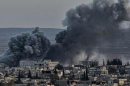 İsrail topçuları Suriye'yi bombaladı