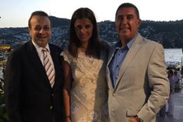 Hande Fırat ve Murat Özvardar nişanlandı