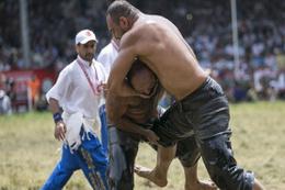 Kırkpınar Yağlı Güreşleri'nde yarı finale yükselenler belli oldu
