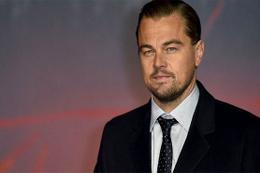 Leonardo Di Caprio elinde çöp torbasıyla sokaklarda