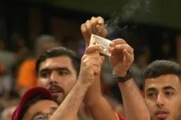 Galatasaray taraftarı kombinesini yaktı