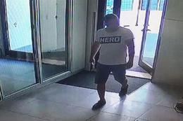 Hero tişörtü giyen genç tutuklandı