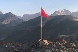 9 terörist öldürüldü! Oraya Türk bayrağı dikildi