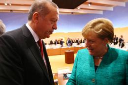 Merkel'den son dakika Türkiye açıklaması