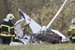 İsviçre'de uçak düştü ölüm haberleri geliyor