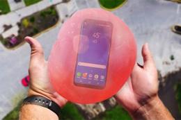Galaxy S8, su dolu balon içerisinde fırlatılırsa