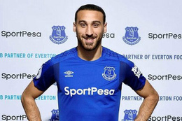 Cenk Tosun Everton'la ilk maçına çıktı!