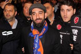 Arda Turan Selçuk'u sildi sosyal medyada kampanya başlatıldı!