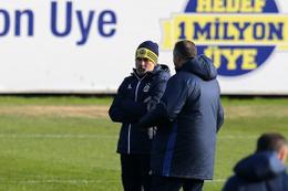 Aykut Kocaman'dan futbolculara fırça