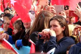 Erdoğan'ı gören vatandaşlar, mutluluk gözyaşı döktü