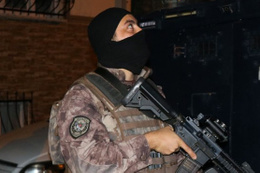 Zonguldak'ta zehir tacirlerine şok baskın
