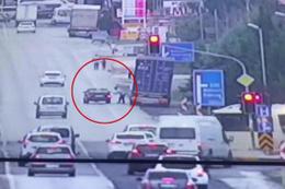 Tartıştığı TIR şoförüne kurşun yağdırdı