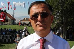Kemer belediye başkanı AK Parti'den ihraç edildi