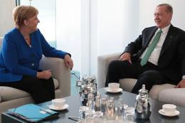 Cumhurbaşkanı Erdoğan'ın Berlin ziyareti pahalıya patladı!