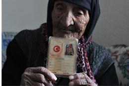 Bursa'daki bu nine tam 118 yaşında torunu da 76'sına girdi