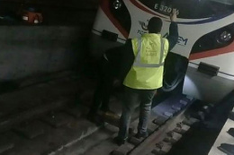 Marmaray seferleri durunca taksiciler istasyonlara akın etti