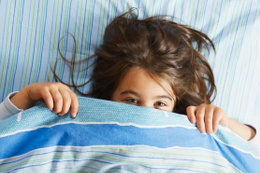 Çocuklarda gece yatak ıslatma problemi neden olur?