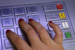 ATM'den para çekenler dikkat komisyon ücretleri artık...