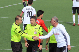 Belediye başkanı lisanslı futbolcu çıktı