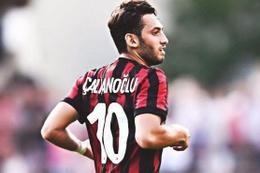 Hakan Çalhanoğlu attı Milan kazandı