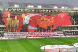 Başakşehir'in 18 Mart koreografisi sosyal medyada tepki çekti!