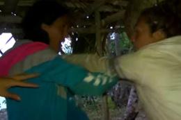 Berna Canbeldek ile Sahra Işık'ın Survivor'taki kavga görüntüleri