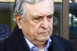 Eski bakan İstanbul'da boğazından bıçaklanarak öldürüldü!